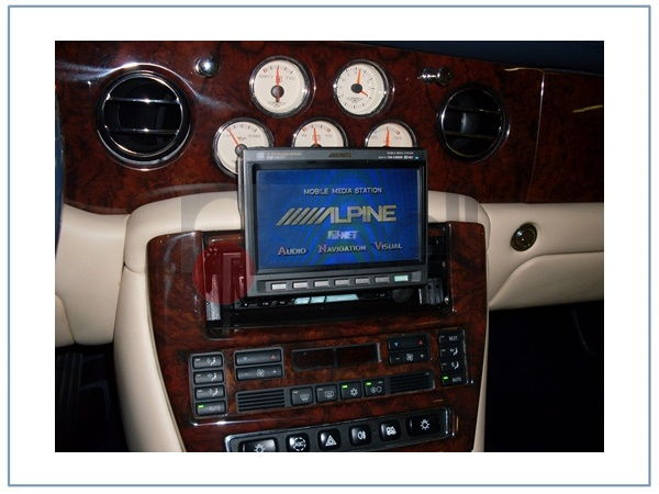 bentley arnage monitor alpine